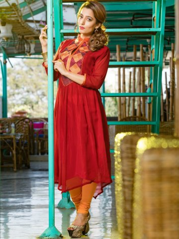 https://static9.cilory.com/168915-thickbox_default/shine-red-georgette-kurti.jpg