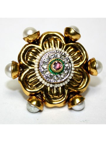 https://static7.cilory.com/22881-thickbox_default/elegant-kundan-rings.jpg
