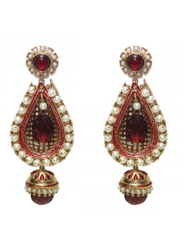 https://static8.cilory.com/30624-thickbox_default/ethnic-polki-work-earrings-carved-with-stone-and-beads.jpg