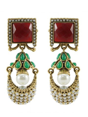 https://static5.cilory.com/313270-thickbox_default/ethnic-polki-work-earrings-carved-with-stone-and-beads.jpg