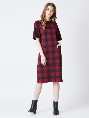 https://d38jde2cfwaolo.cloudfront.net/371570-thickbox_default/estonished-red-checks-dress-with-box-pockets.jpg