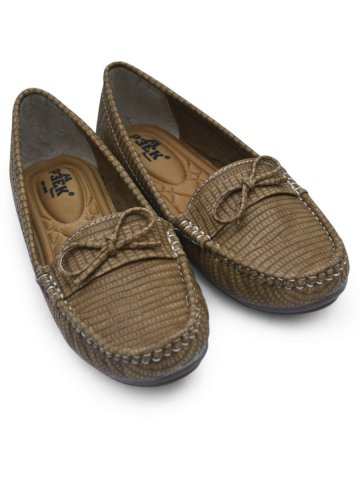 https://static2.cilory.com/384854-thickbox_default/peek-green-women-loafers.jpg