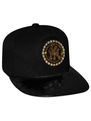 https://static4.cilory.com/391621-thickbox_default/nologo-bling-spinner-snapback-cap.jpg