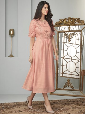 https://static7.cilory.com/394858-thickbox_default/peach-embroidered-kurti-with-side-pockets.jpg
