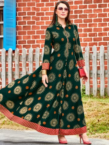 https://static8.cilory.com/396907-thickbox_default/kajal-long-flared-kurti.jpg