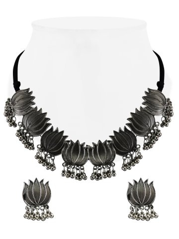 https://d38jde2cfwaolo.cloudfront.net/396997-thickbox_default/lotus-oxidised-silver-handcrafted-necklace.jpg
