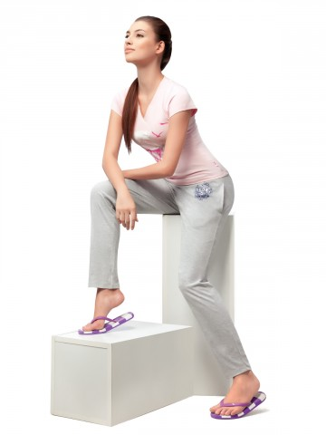 https://static5.cilory.com/48915-thickbox_default/hanes-perfect-relaxed-pant.jpg