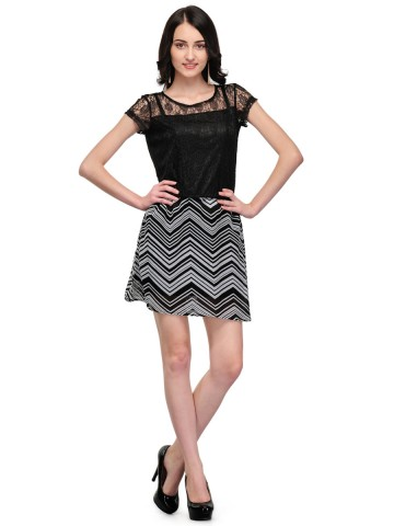 https://static6.cilory.com/92119-thickbox_default/black-lace-with-pyramide-stripe-dress.jpg