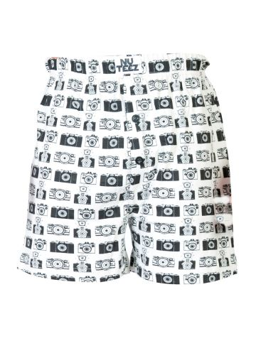 https://static9.cilory.com/99918-thickbox_default/nuteez-camera-white-boxers.jpg